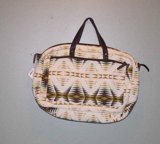 new with tags 22 travel duffel bag
